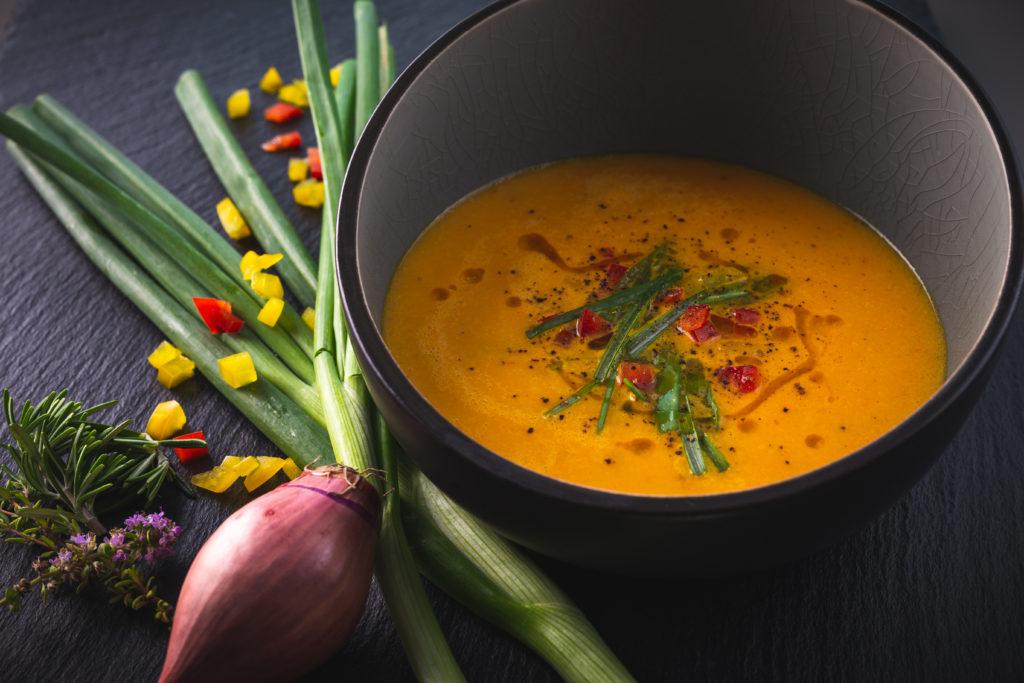 Gelbe Paprika-Suppe