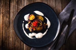Honig-Aubergine mit Joghurt-Dip