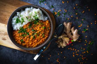 Linsen-Kokos-Curry